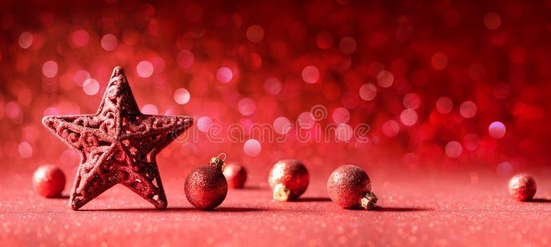 Красное украшение рождества - звезда и шарики стоковое фото