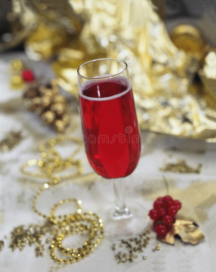 Красное шампанское Kir королевское для рождества стоковые изображения rf