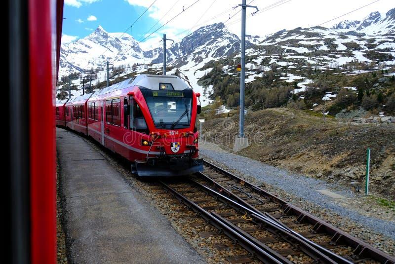 Красное Bernina срочное, Швейцария стоковое изображение