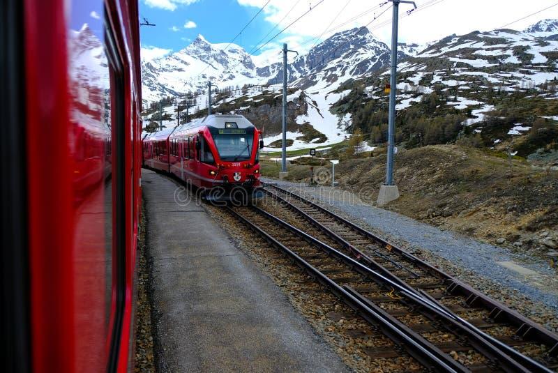 Красное Bernina срочное, Швейцария стоковая фотография