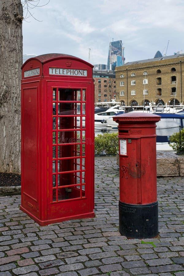 Красные великобританские значки Лондона стоковые изображения rf