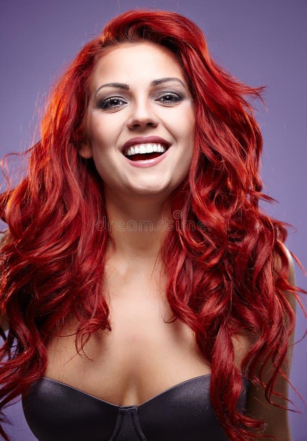 Красные волосы Портрет womanl моды стоковые изображения rf