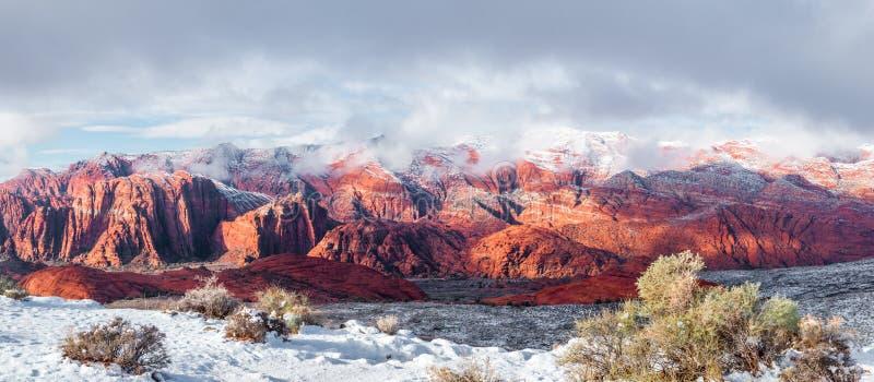 Красные горы стоковое фото rf