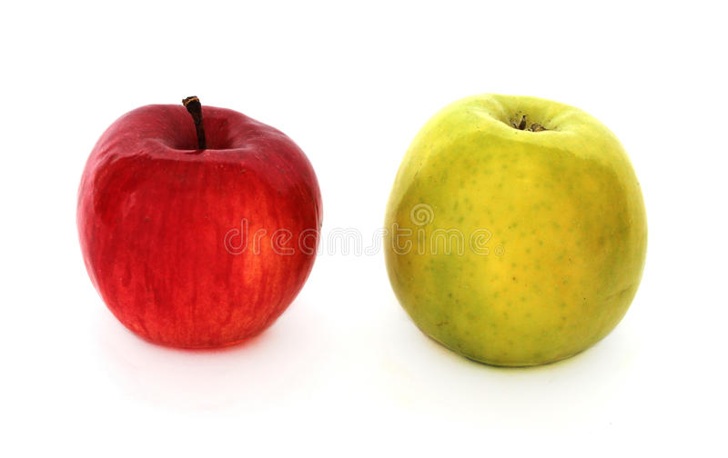 Красные и зеленые яблоки стоковое изображение
