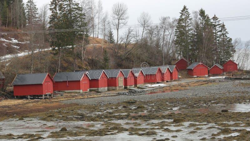 Красные кабины рыбной ловли стоковые фотографии rf
