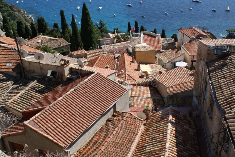 Красные крыши Cote d'Azure стоковые изображения rf