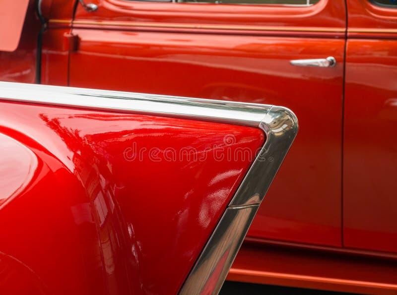 Красные классические автомобили стоковые изображения rf
