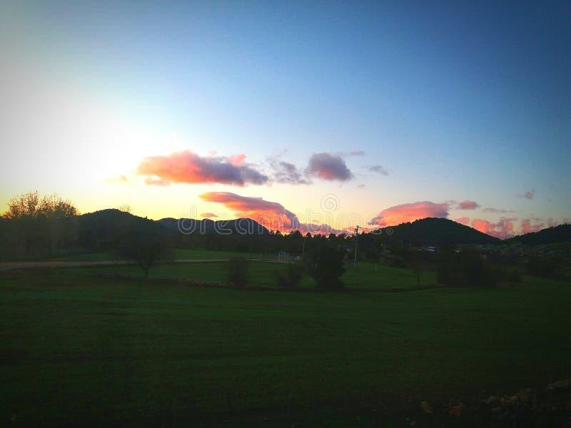 Красные облака утро стоковые фото