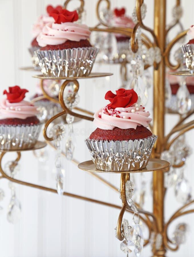 Красные пирожня бархата стоковые изображения rf