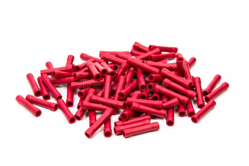 Красные провода положенные на белый пол стоковое фото rf