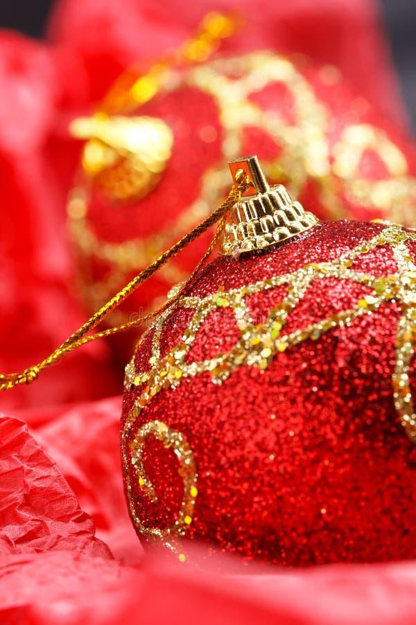 Красные шарики рождества стоковые фотографии rf