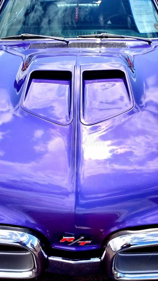 Красный американский автомобиль мышцы стоковое изображение rf