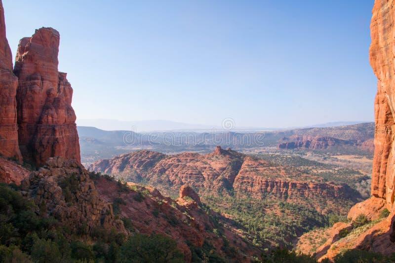 Красный взгляд fromation утеса от пика в национальном парке Аризоны стоковая фотография rf