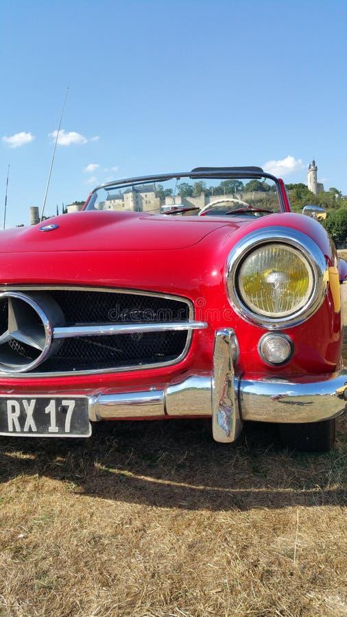 Красный винтажный автомобиль спорт Мерседес-Benz стоковая фотография