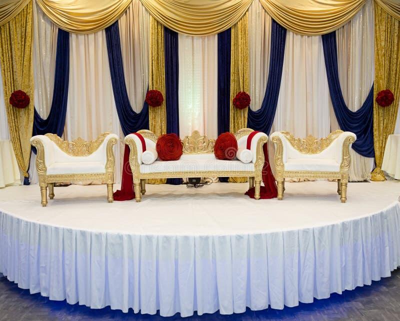 Красный голубой этап свадьбы стоковые изображения