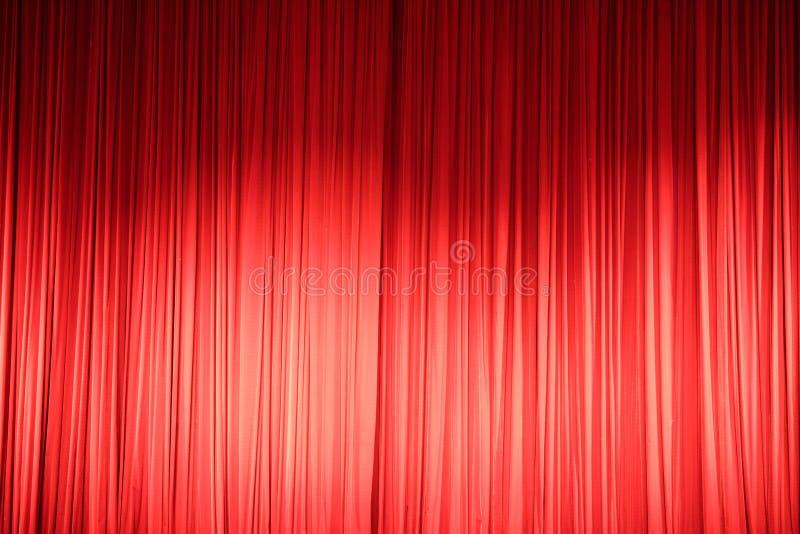 Красный занавес поступка стоковые изображения rf