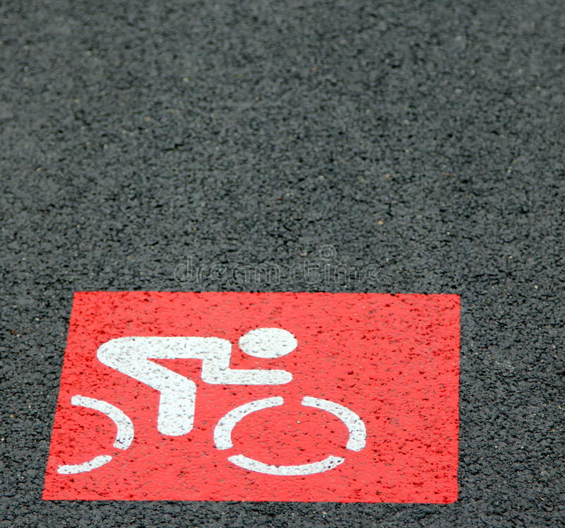 Красный знак майны велосипеда стоковая фотография rf