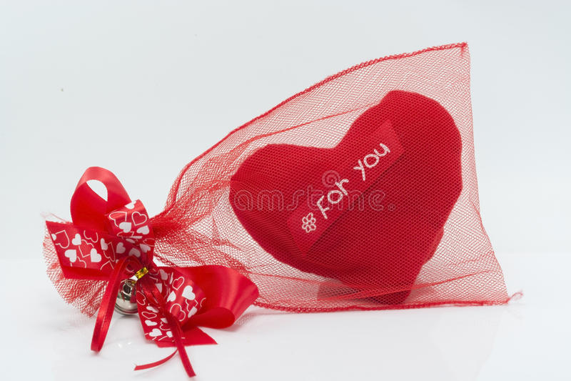 Красный изолят сердца на белой предпосылке стоковое изображение rf