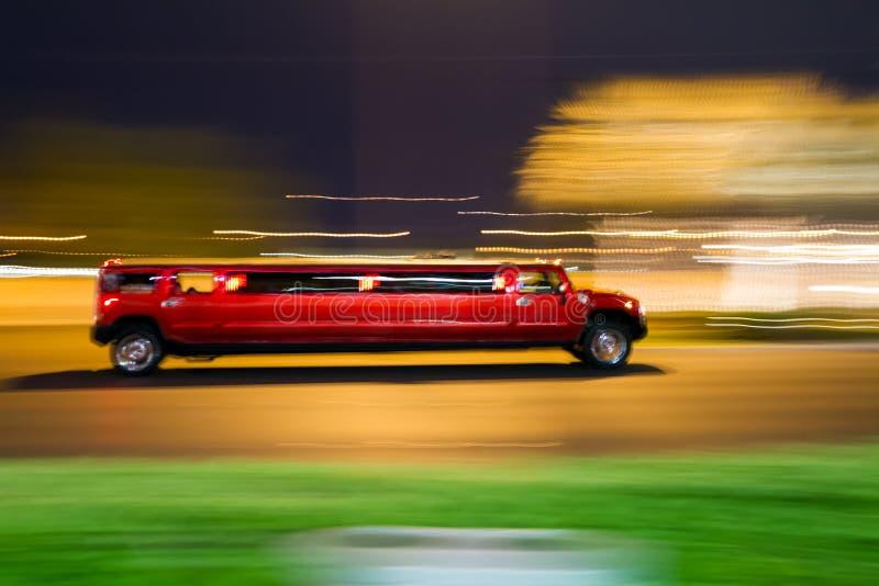 Красный лимузин простирания стоковые фотографии rf