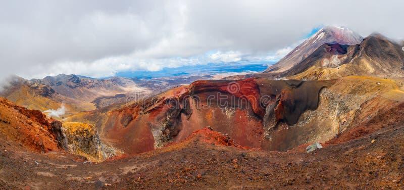 Красный кратер стоковые фото