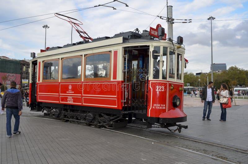 Красный ностальгический трамвай стоковые фото