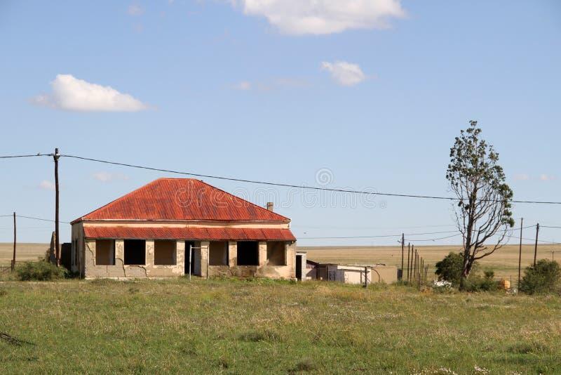 Красный дом крыши в Edenvale стоковое фото rf