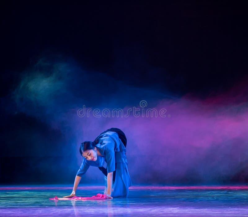 Красный пряж-современный танец стоковые изображения rf