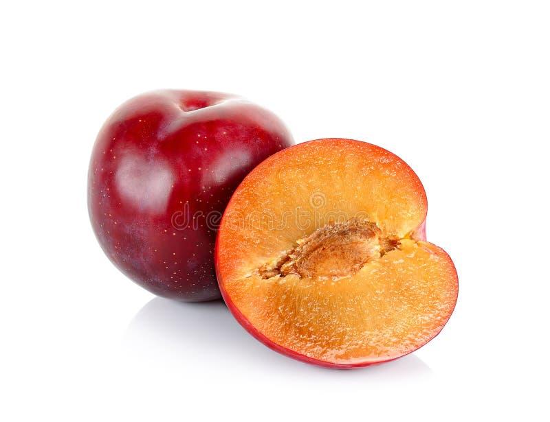 Красный плодоовощ сливы изолированный на белой предпосылке стоковые фотографии rf
