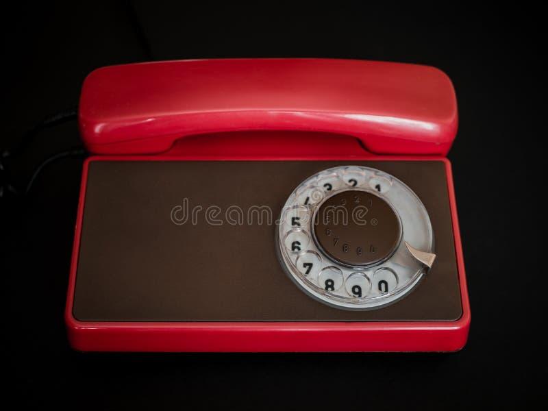 Красный ретро телефон стоковые изображения rf
