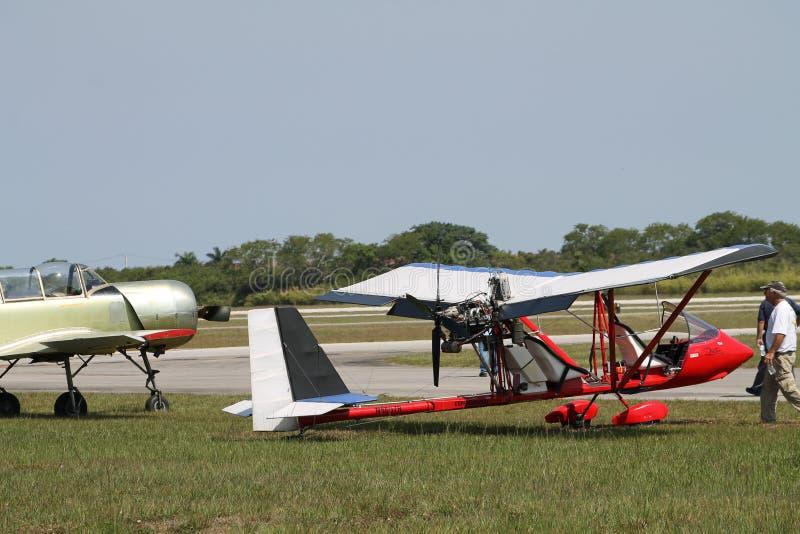 Красный самолет дрифтера стоковая фотография