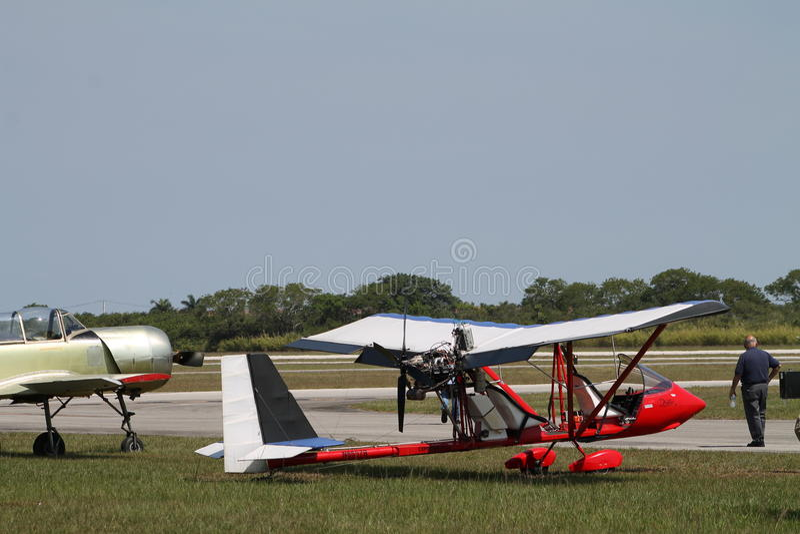 Красный самолет дрифтера стоковые изображения