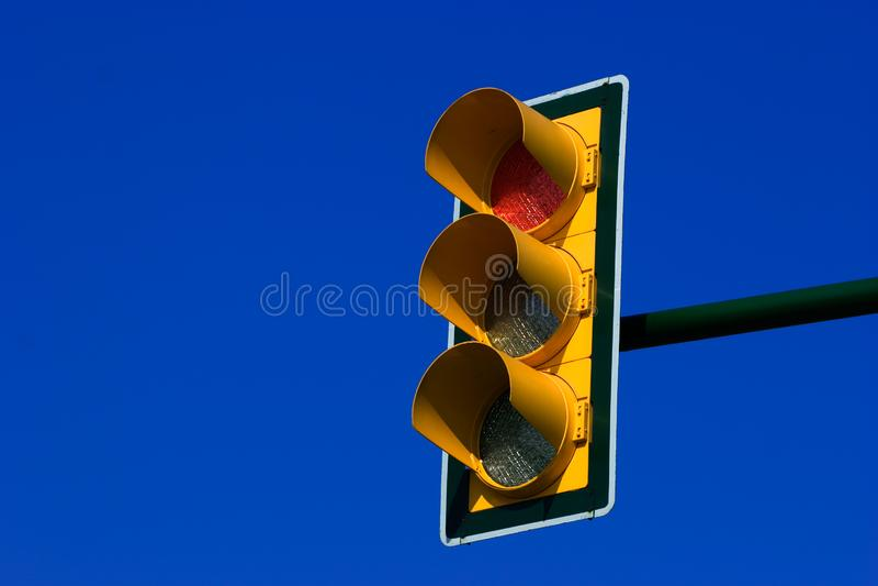 Красный светофор стоковые изображения rf