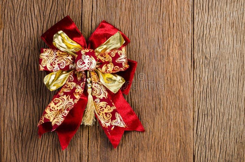 красный смычок подарка, присутствующий смычок, смычок ленты стоковое фото rf