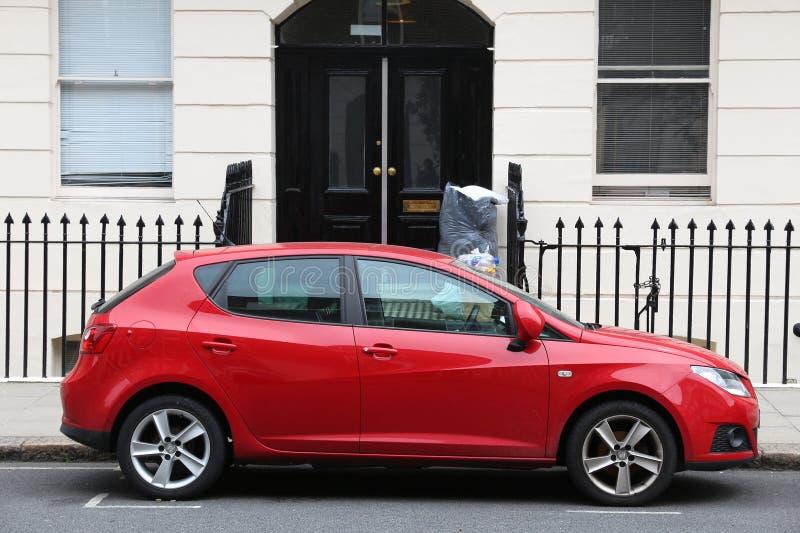 красный цвет автомобиля компактный стоковое изображение rf