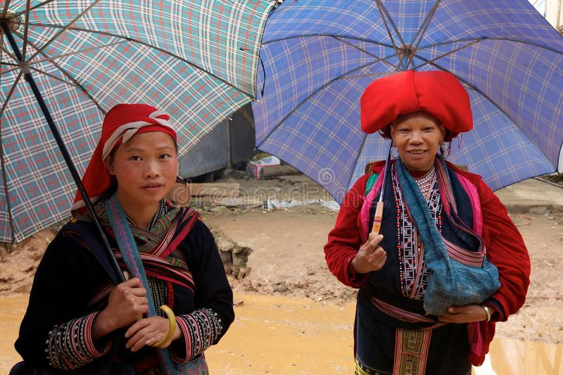 красный цвет Вьетнам людей несовершеннолетия dao ehtnic стоковое изображение rf