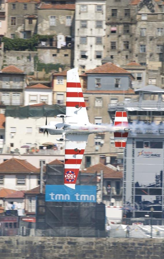 красный цвет гонки Паыля быка bonhomme воздуха 2009 стоковые изображения
