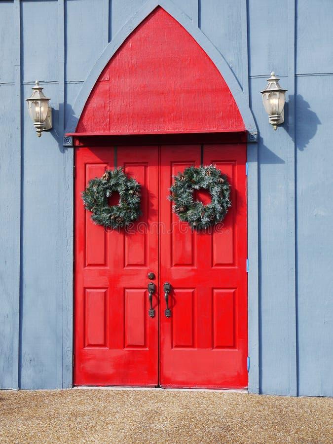 красный цвет дверей двойной стоковое изображение rf