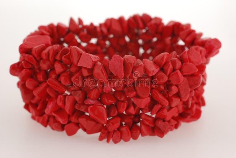 красный цвет коралла браслета стоковое фото rf