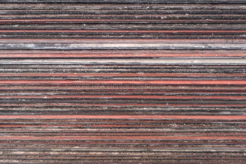 Красный цвет коричневого цвета стороны плитки предпосылки старый для крыши стоковые фотографии rf