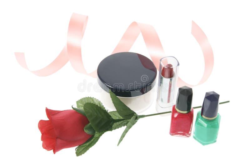 красный цвет косметик поднял стоковое изображение