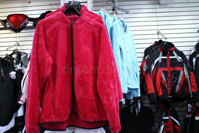 красный цвет куртки ватки стоковая фотография