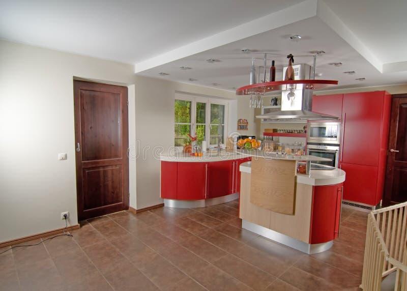красный цвет кухни самомоднейший стоковые изображения rf