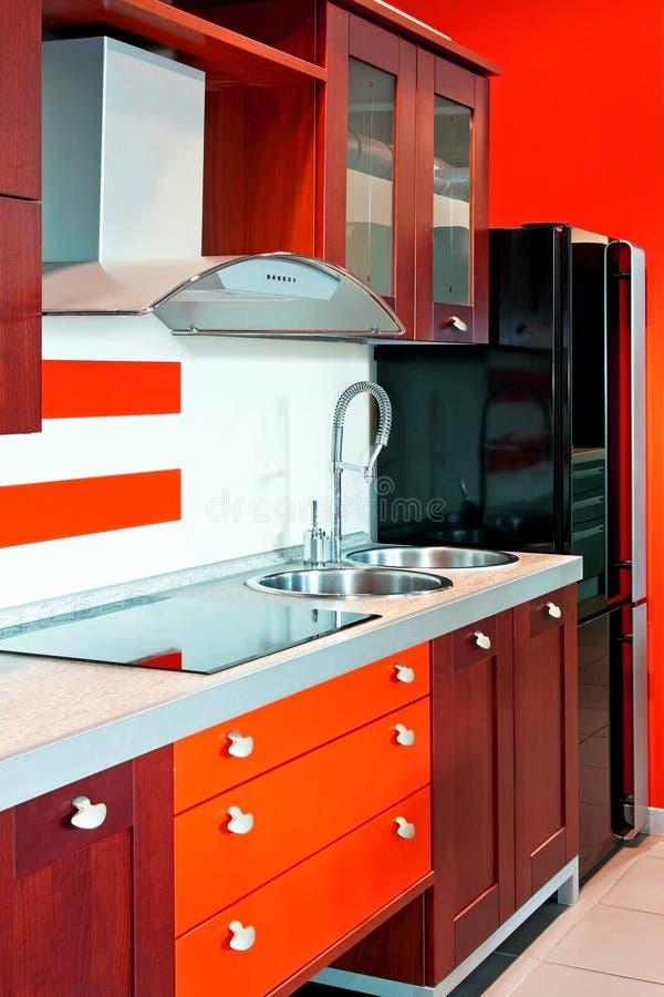 красный цвет кухни угла стоковая фотография