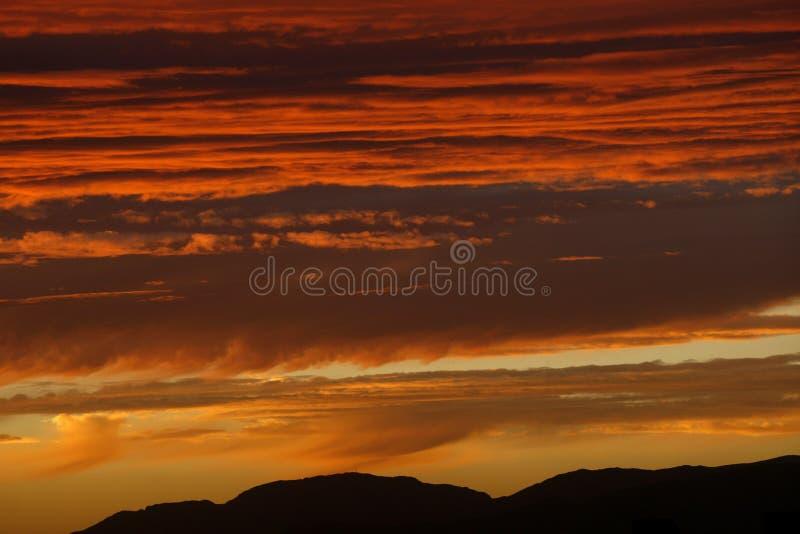 красный цвет облака стоковые фотографии rf