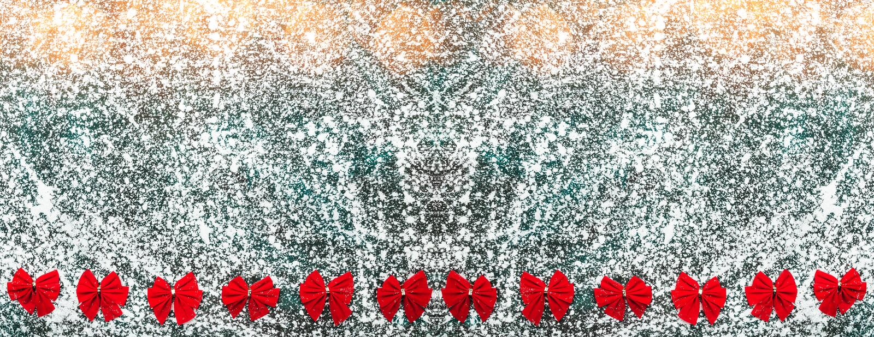 Красный цвет обхватывает серый цвет om, мрамор, каменную предпосылку, взгляд от верхней части, выше, квартира, поздравительная от стоковое изображение