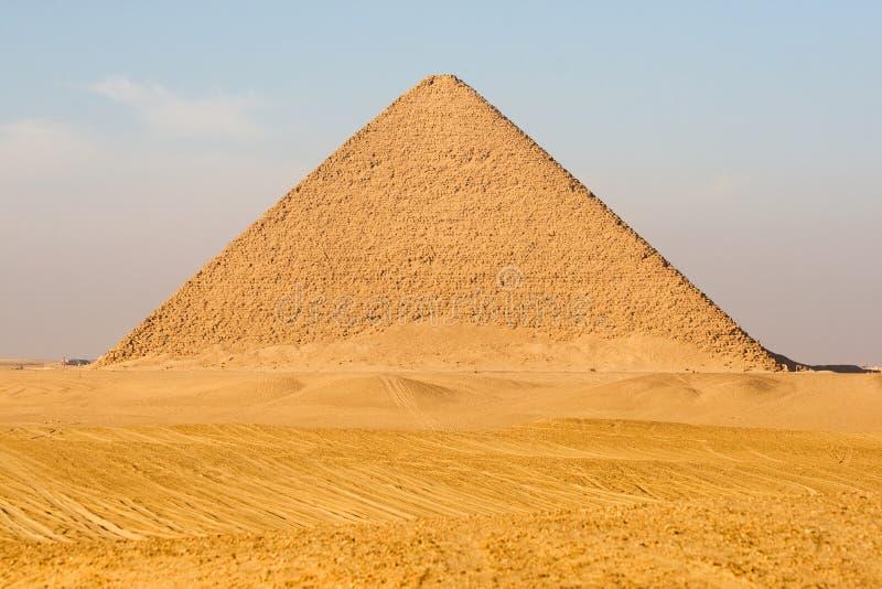 красный цвет пирамидки Египета стоковое фото rf