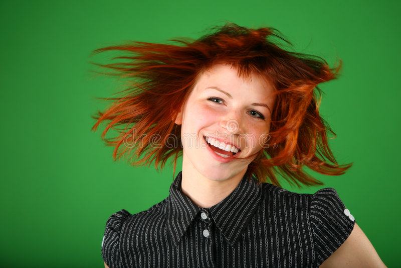 красный цвет портрета волос девушки летания стоковые фотографии rf