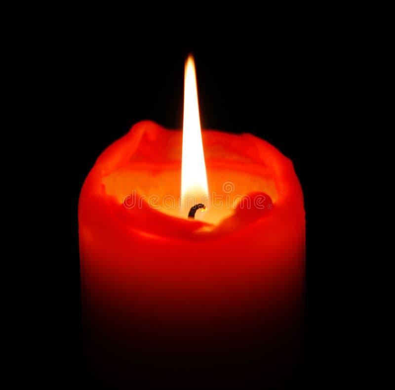 красный цвет свечки стоковое изображение rf