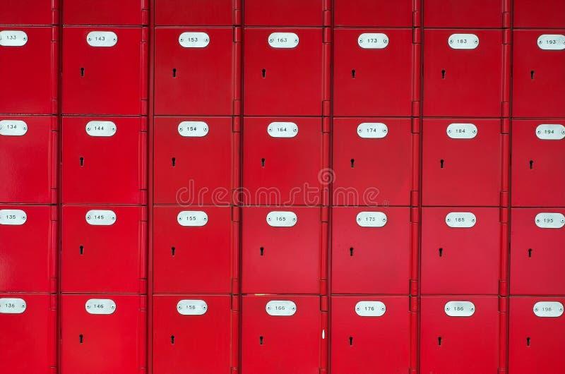 красный цвет столба касс стоковая фотография