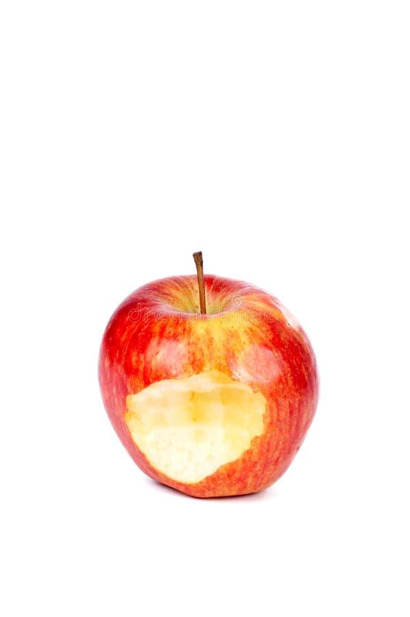 красный цвет укуса одного яблока стоковое изображение rf
